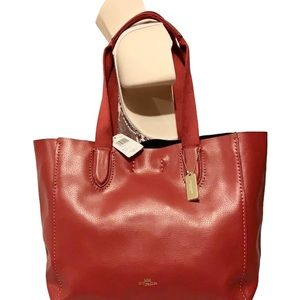 🌻 COACH 58660 🌻 1941 RED DERBY TOTE